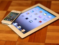 iPad's biggest competition isn't the Kindle Fire -- it's the iPhone 4S