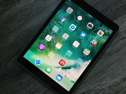 Treat yourself to Apple's 9.7-inch iPad with 128GB capacity at a $100 discount