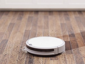 Wednesday's best deals: robot vacuum cleaners, USB-C cables, and more