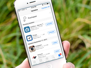 How to turn off automatic app updates in iOS 7