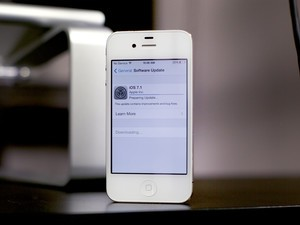 iPhone 4 owners: Has iOS 7.1 improved performance?