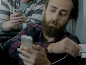 Samsung's latest ad shows just how irresistible the iPhone truly is