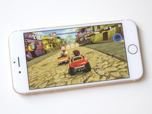 Beach Buggy Racing on the iPhone 6