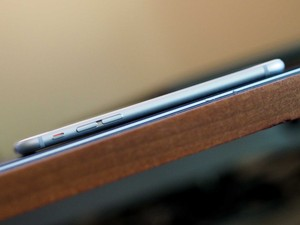 Yes, the aluminum iPhone 6 and 6 Plus will bend if put under too much pressure, because physics