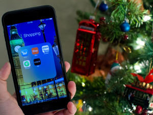 Apps to help you shop smarter this holiday season