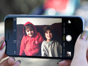 Making the iPhone camera accessible for the blind