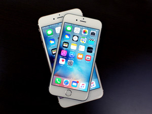 Arizona county attorney stops issuing iPhones to employees