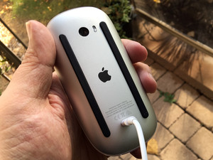 Fixing the Lightning port on the Magic Mouse 2