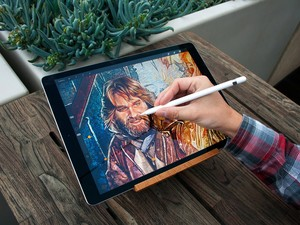Procreate update adds Liquify, Symmetry, Warp, and a whole lot more!