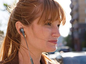 Score yourself some Bose SoundSport In-Ear Headphones at a 50% discount