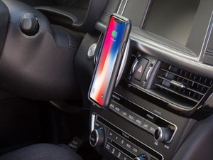 Go hands-free with one of these fantastic car mounts