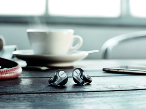 What are the differences between the Jabra Elite 65t and Elite Active 65t?