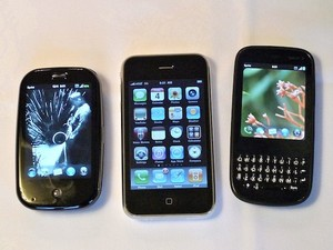 Palm Pre, Palm Pixi webOS Hands-on Video -- Smartphone Round Robin