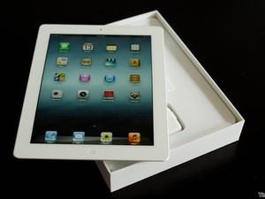 The new iPad gets unboxed in Vietnam