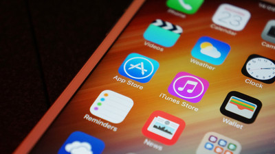 Apple simply offering Russian apps to iPhone users might not be enough