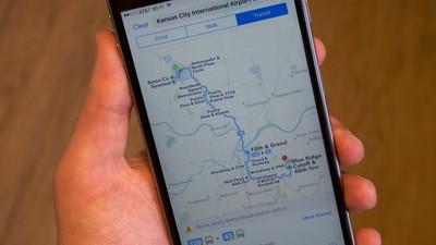 Apple Maps adding data to make railroad crossings safer