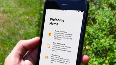 An iPhone 6s is shown with the Home app setup screen.