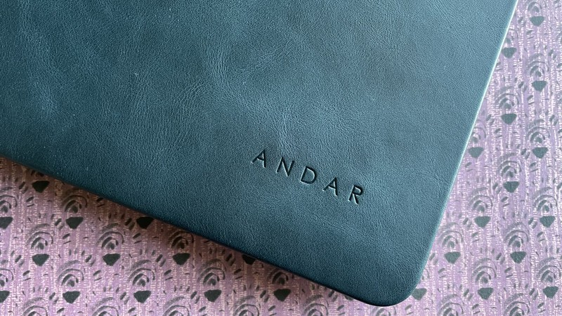 Review: Andar's The Helm MacBook Case is a perfect fit in luxurious leather
