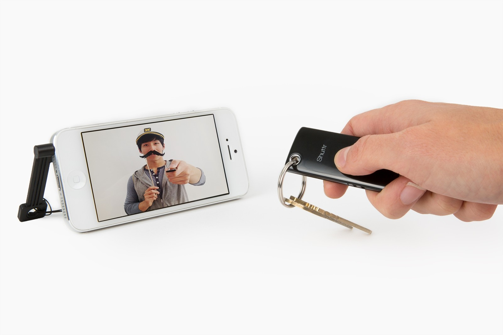 The Muku Shuttr remote is perfect for selfies on the go!
