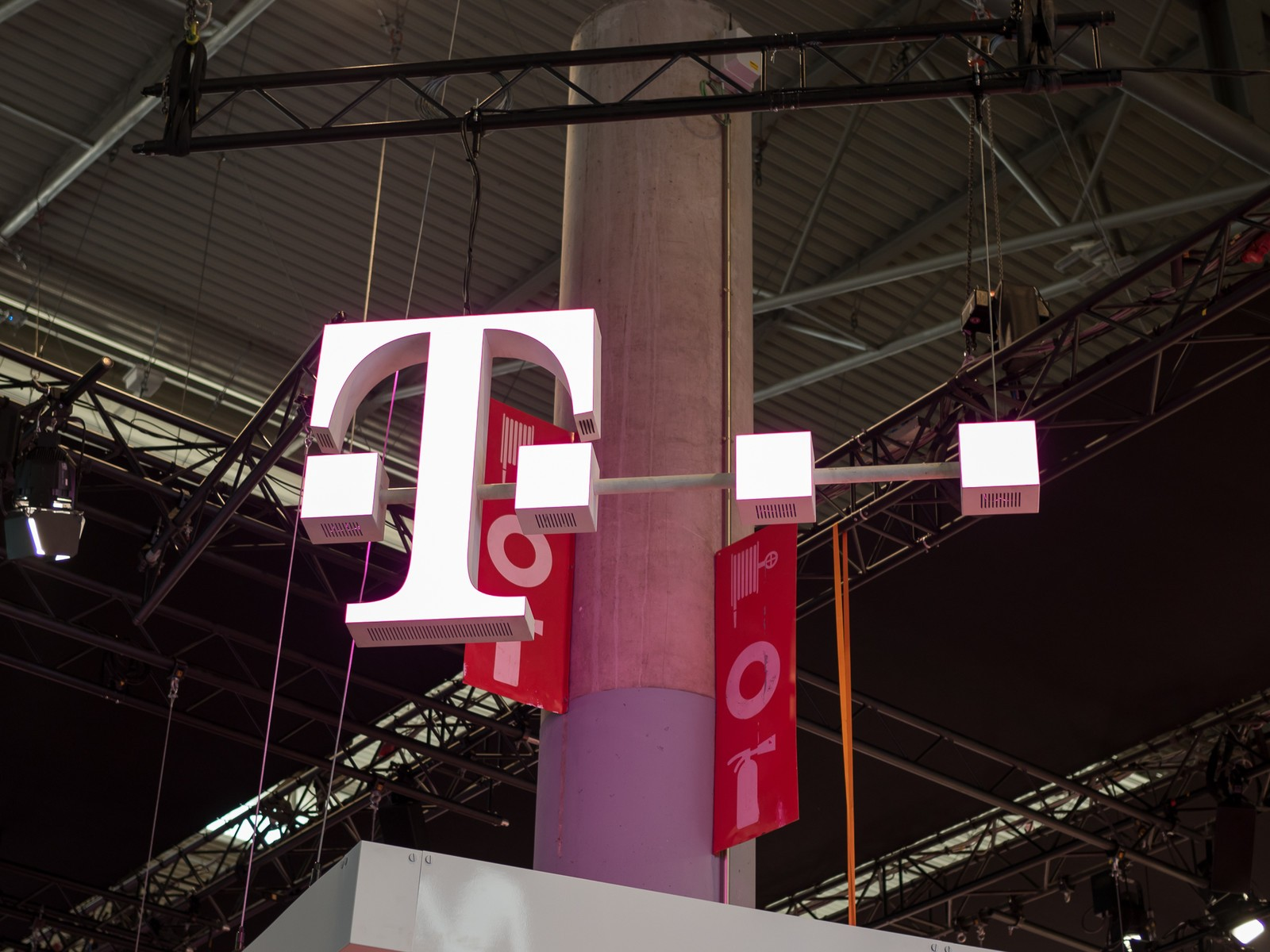 T-Mobile adds AppleCare to its JUMP! and Premium Device Protection plans