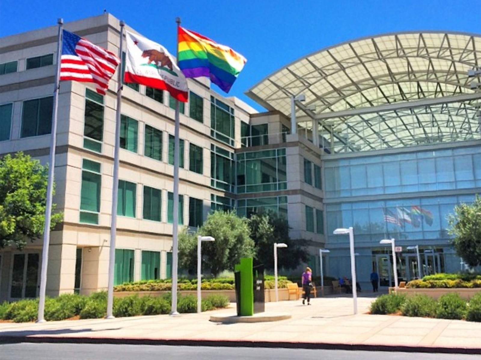 Tim Cook pushes L.G.B.T. rights for a more equal Alabama