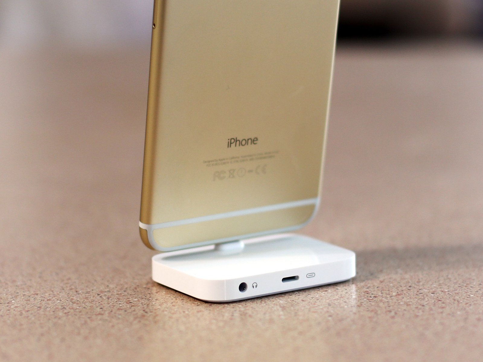 the latest edc42 b01d5 Apple iPhone Lightning Dock review | iMore