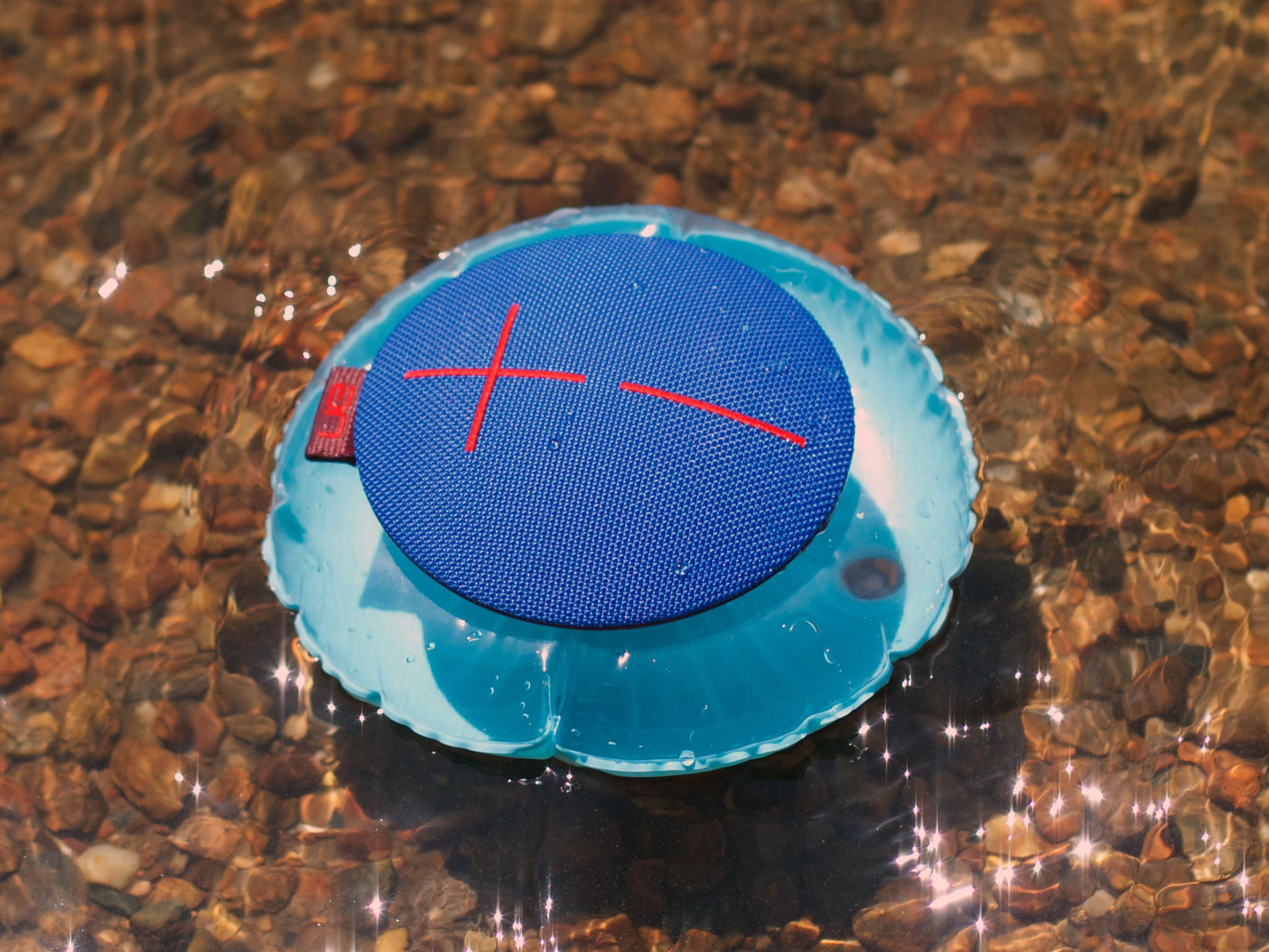 UE Roll review: Waterproof Bluetooth speaker that's fun to play with