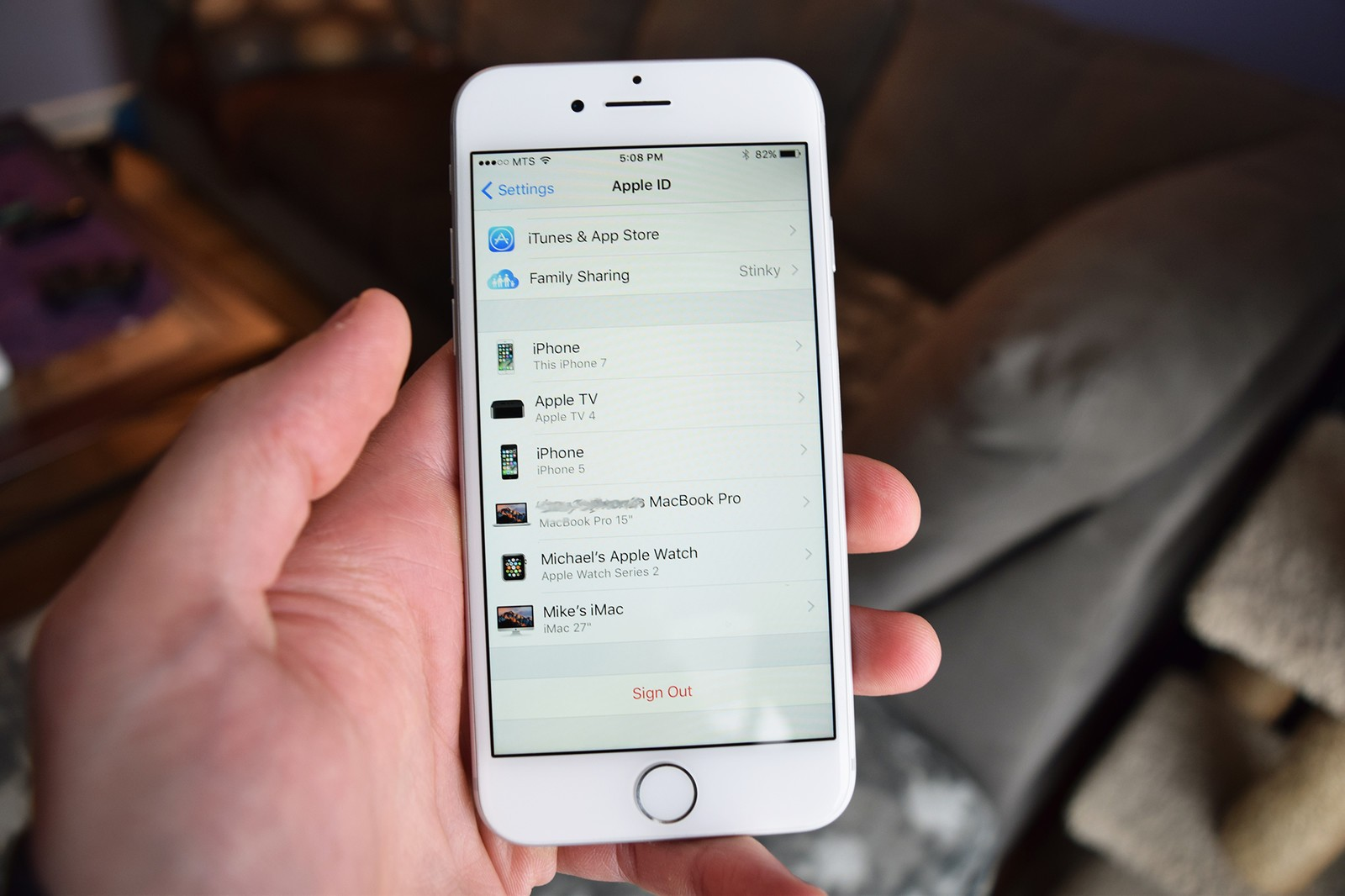 How to manage iCloud devices on iPhone and iPad