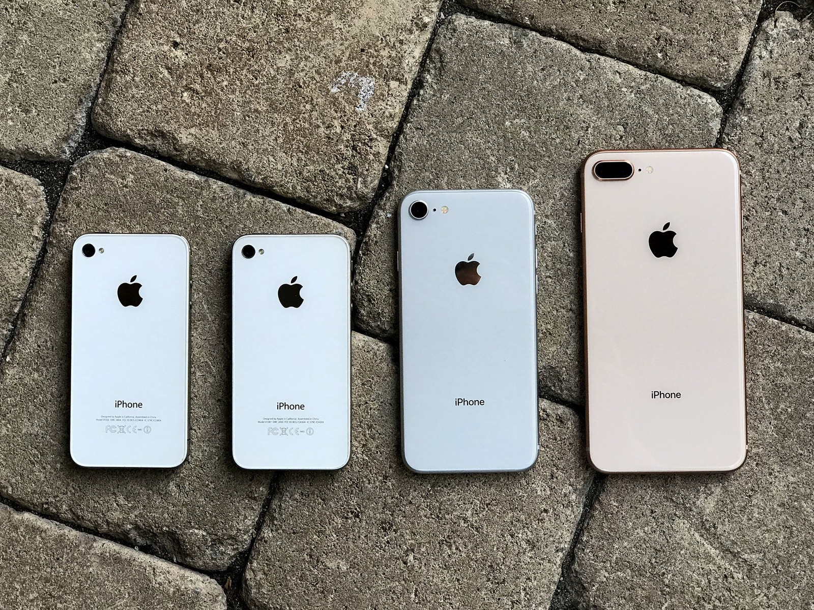 One thing that shouldnt worry anyone anymore is the idea that the white faceplate on the silver or gold iphone could get stained or otherwise discolored