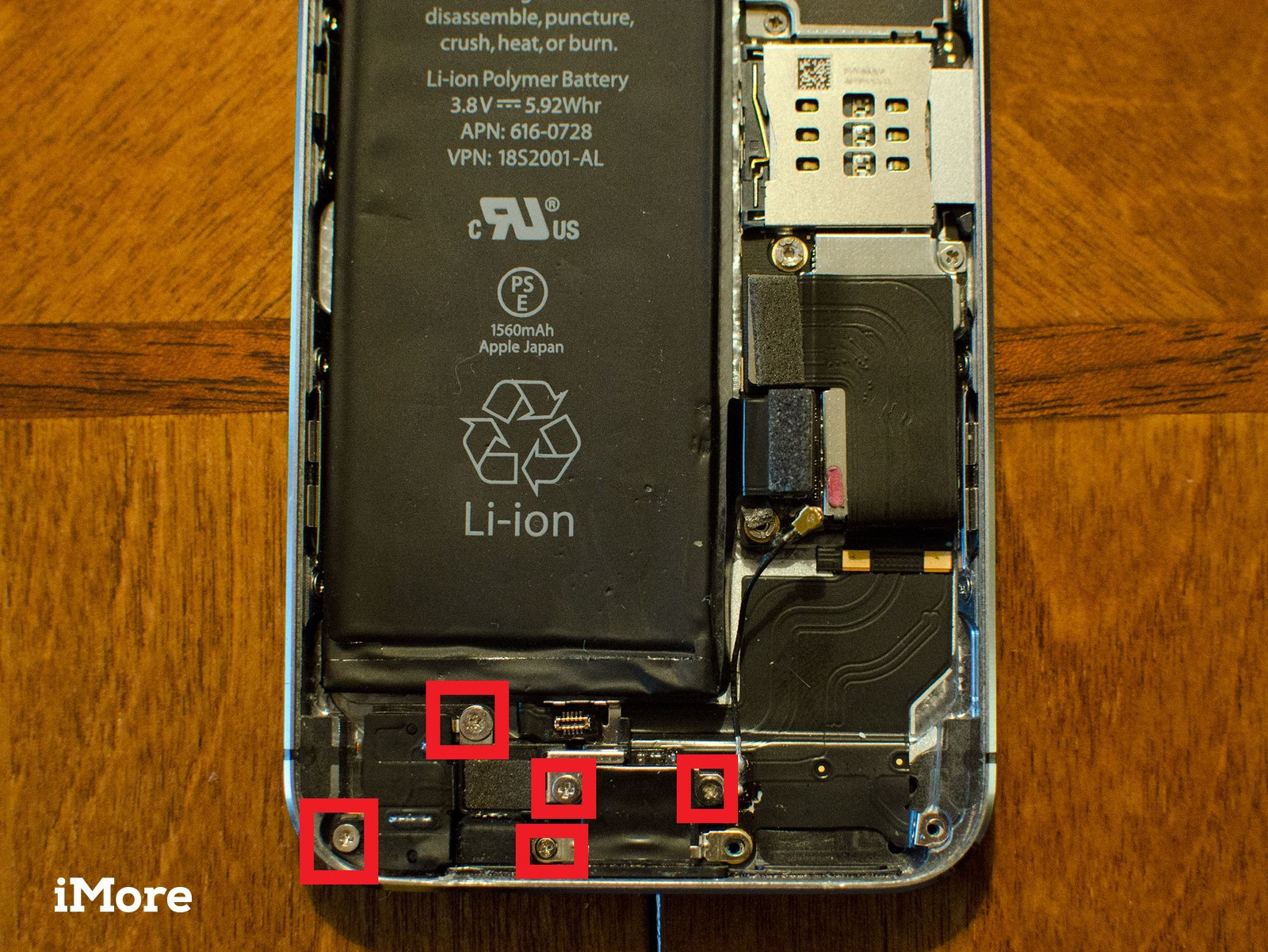 How to replace a broken Lightning dock in an iPhone 5s