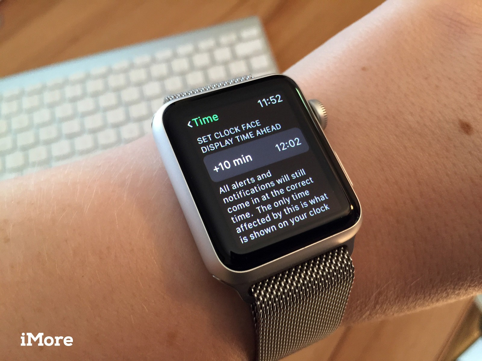 How to set the clock ahead on Apple Watch