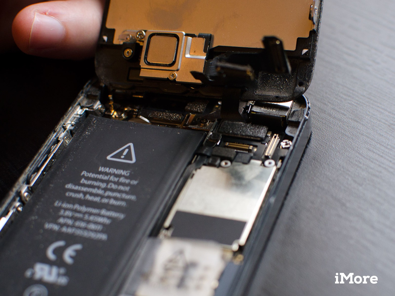 How to replace a broken headphone jack in an iPhone 5