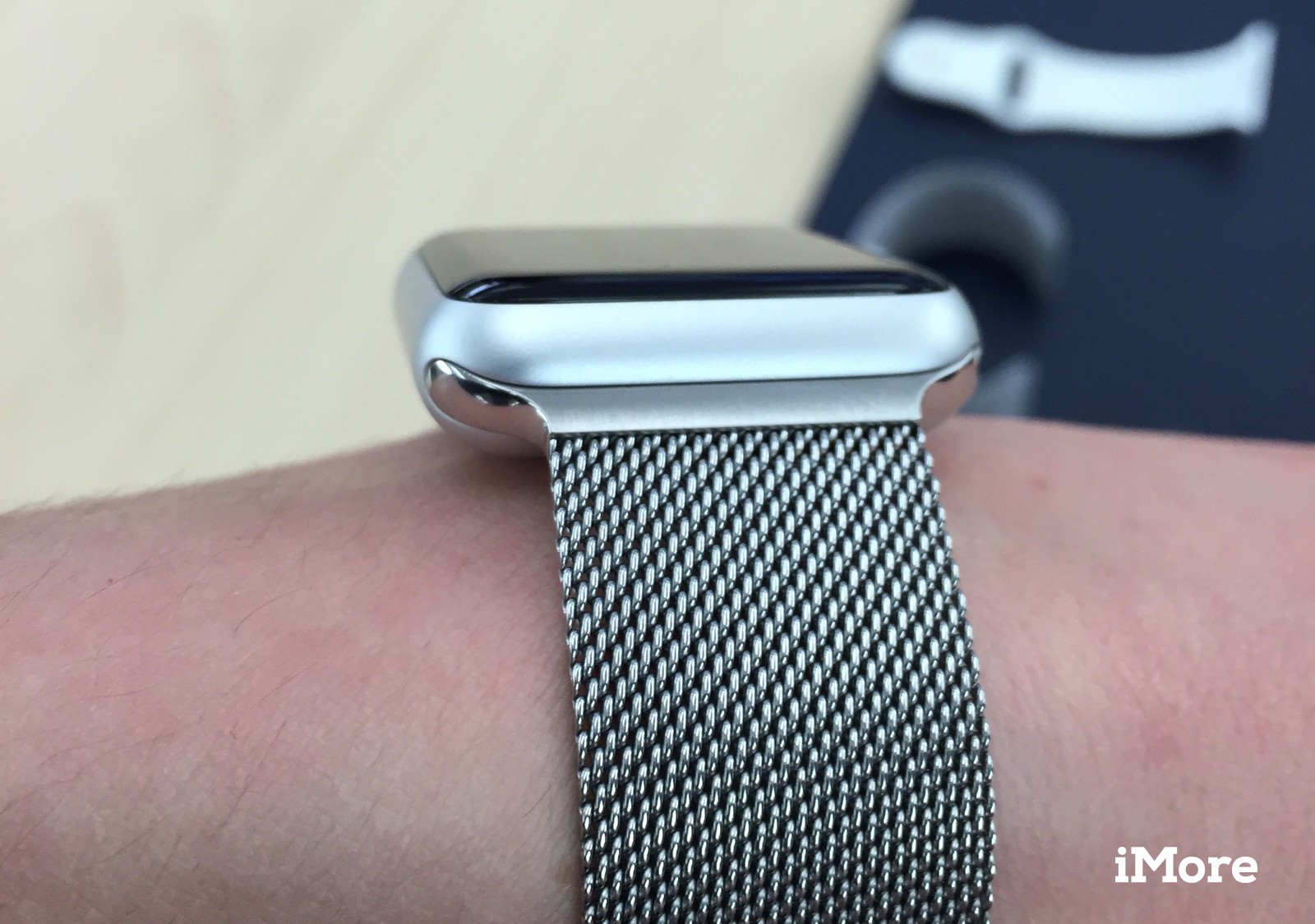 separation shoes d5d1b 914a2 Here's what the Apple Watch Sport looks like with a Milanese Loop ...