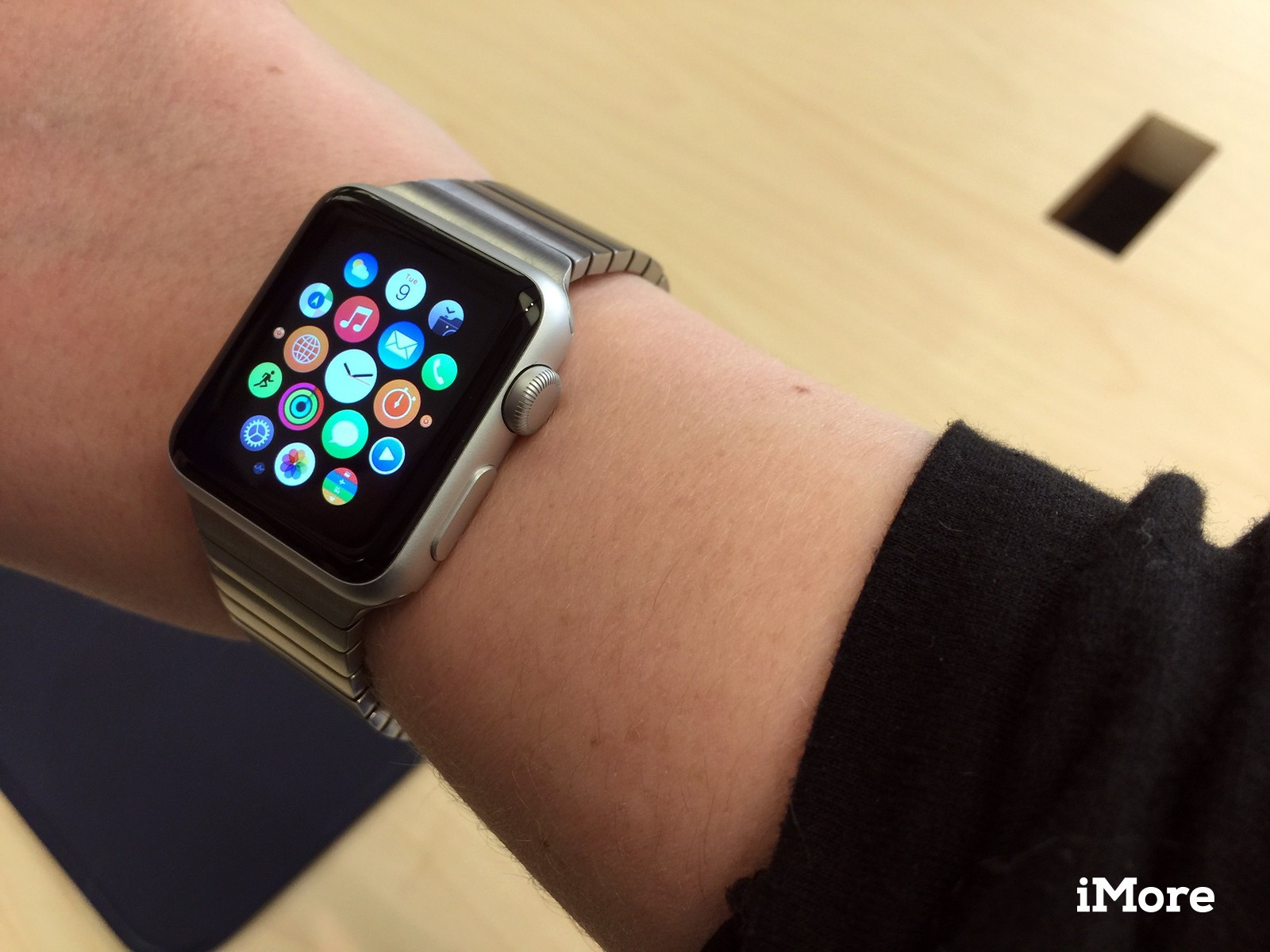 Apple Watch Sport and stainless bands: Here's what they look like!